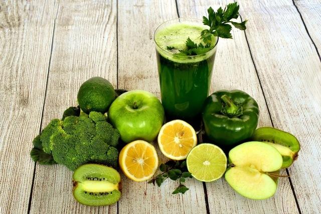 https: img.okezone.com content 2021 01 03 298 2338190 buah-dan-sayuran-hijau-beri-banyak-manfaat-kesehatan-ini-5-di-antaranya-HefFLVWJxC.jpg