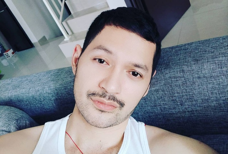 https: img.okezone.com content 2021 01 03 33 2338143 evan-sanders-jago-masak-netizen-calon-suami-idaman-banget-dC8KRkFOJq.jpg