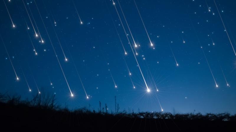 https: img.okezone.com content 2021 01 04 16 2338519 malam-ini-hujan-meteor-akan-hiasi-langit-di-seluruh-indonesia-AhacmD2o83.jpg