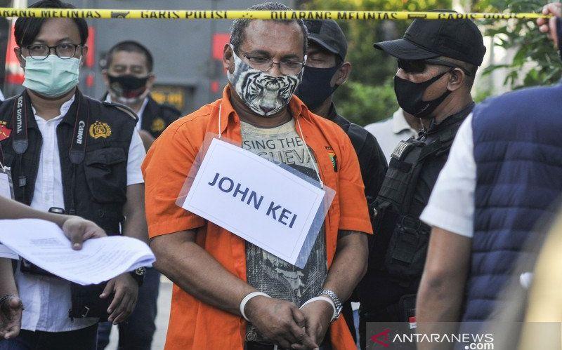 https: img.okezone.com content 2021 01 04 338 2338563 john-kei-segera-disidang-dalam-kasus-penganiayaan-dan-pembunuhan-R6bQVT7aTU.jpg