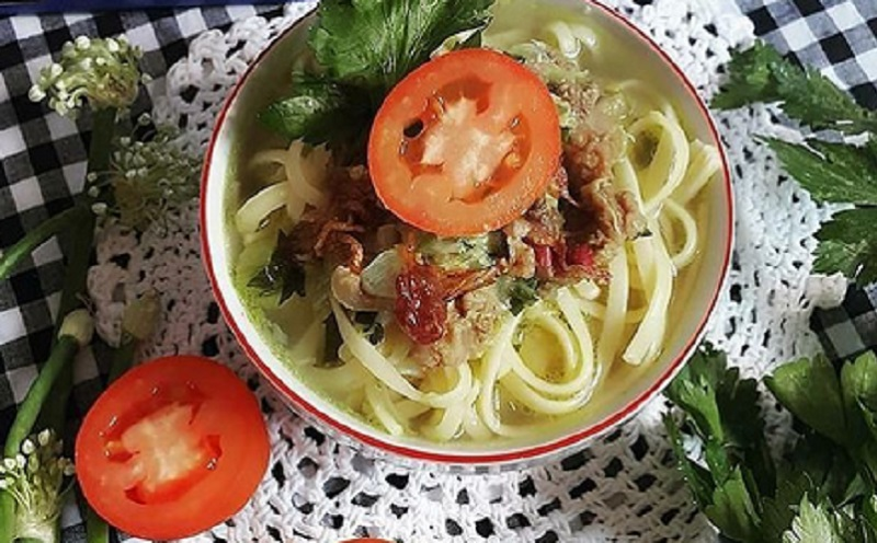https: img.okezone.com content 2021 01 05 298 2339230 musim-hujan-makan-malam-dengan-soto-daging-fettuccini-yuk-0lH7Q9IhVa.jpg