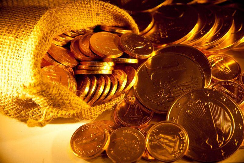 https: img.okezone.com content 2021 01 05 320 2338929 harga-emas-tembus-usd1-900-ounce-di-awal-2021-18RGGzrQ8u.jpg