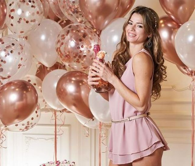 https: img.okezone.com content 2021 01 05 40 2338885 kenakan-lingerie-petenis-cantik-camila-giorgi-buat-geger-fans-3DdDr4Ry2D.JPG