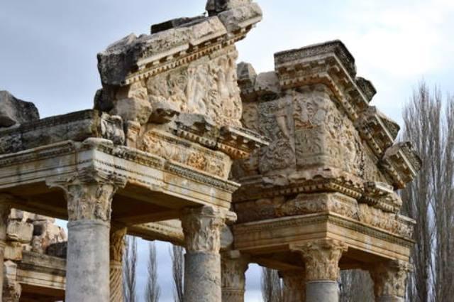 Kuil Pemujaan Dewi Yunani Kuno Berusia 2.500 Tahun Ditemukan di Turki
