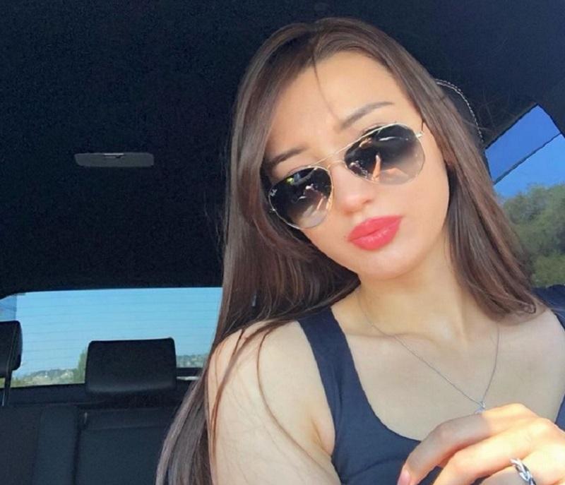 https: img.okezone.com content 2021 01 05 43 2339015 pevoli-seksi-sabina-altynbekova-ngaku-idolai-sosok-jack-ma-23TEnUNYlR.jpg