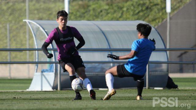 https: img.okezone.com content 2021 01 05 51 2338879 pemain-keturunan-jerman-ini-berlatih-bersama-timnas-indonesia-u-19-di-spanyol-wReGYkpMyK.jpg