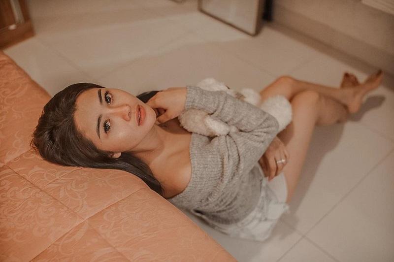 https: img.okezone.com content 2021 01 06 612 2340136 icha-gween-curhat-9-tahun-jadi-single-parent-netizen-kepo-kehidupan-seksnya-9qOovz44zF.jpg