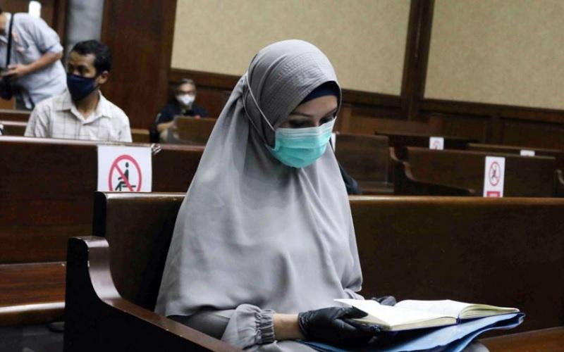 https: img.okezone.com content 2021 01 07 337 2340176 pengakuan-mengejutkan-pinangki-kejagung-mengetahui-keberadaan-djoko-tjandra-di-malaysia-o50fq29eUW.jpg