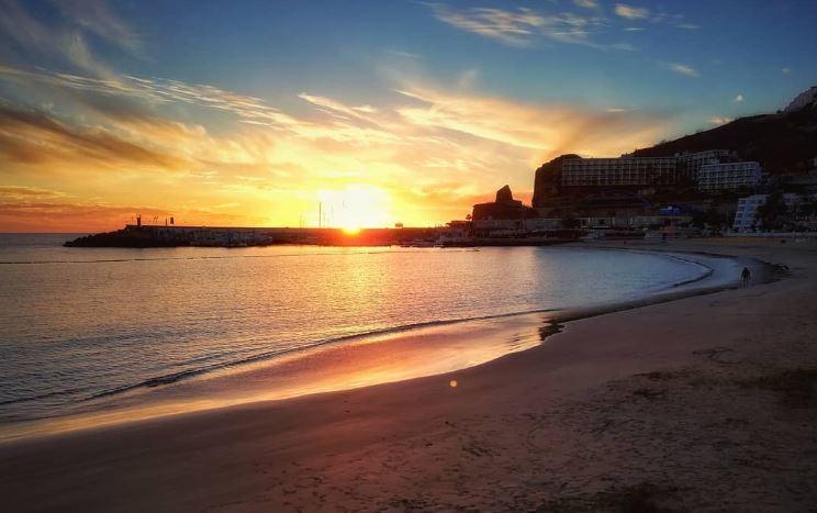 https: img.okezone.com content 2021 01 07 406 2340414 longgarkan-lockdown-puerto-rico-buka-kembali-pantai-untuk-wisatawan-UVWjENHSmn.JPG