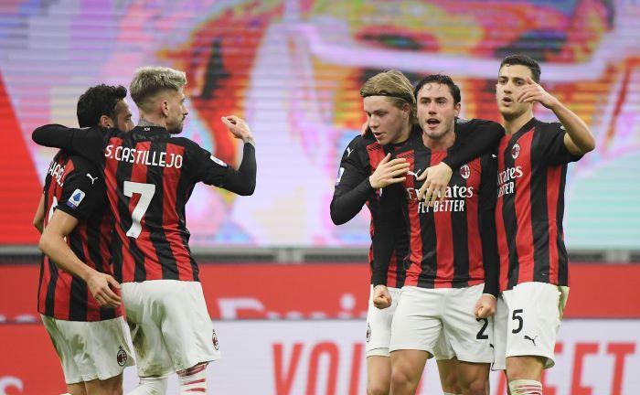 Takluk dari Juventus, AC Milan Justru Disebut Kandidat Scudetto : Okezone  Bola
