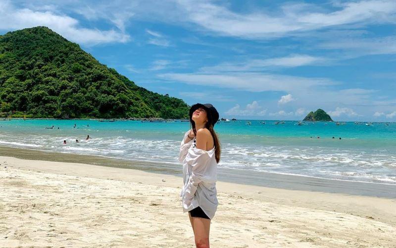 https: img.okezone.com content 2021 01 08 549 2341255 bella-graceva-liburan-ke-lombok-intip-3-tempat-wisata-eksotis-dikunjunginya-8Hne5m8LkH.jpg