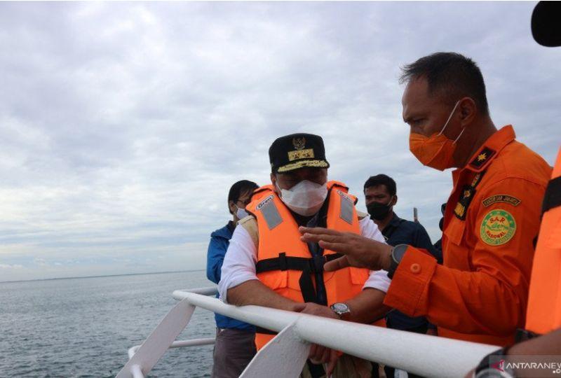 https: img.okezone.com content 2021 01 10 337 2342129 basarnas-keluarga-korban-sriwijaya-air-bersabar-kami-lakukan-yang-terbaik-pA8zXIOJPT.jpg