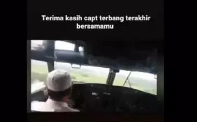 https: img.okezone.com content 2021 01 10 612 2341894 sriwijaya-air-jatuh-ini-isi-pesan-menyentuh-kapten-afwan-TLIc1RoPBL.jpg
