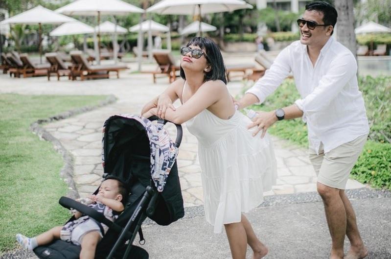https: img.okezone.com content 2021 01 11 33 2342445 rayakan-ulang-tahun-pertama-pernikahan-vanessa-angel-ingin-bayi-kembar-1rNkpS5WY4.jpg