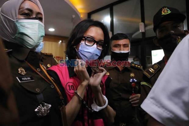 https: img.okezone.com content 2021 01 11 337 2342716 pinangki-dituntut-4-tahun-penjara-uPr7tfUTb0.jpg