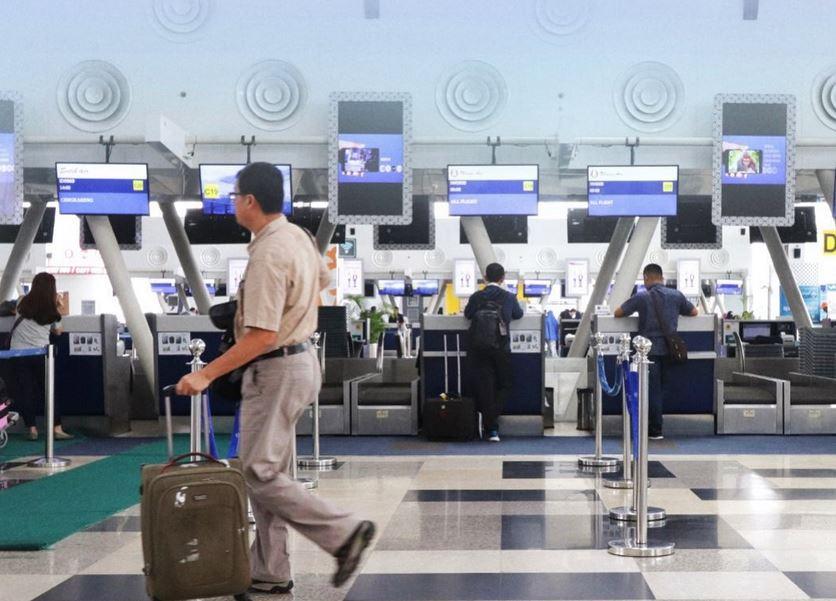 https: img.okezone.com content 2021 01 11 406 2342228 jumlah-penumpang-domestik-di-bandara-kualanamu-turun-50-persen-xaDXFPNDMR.JPG