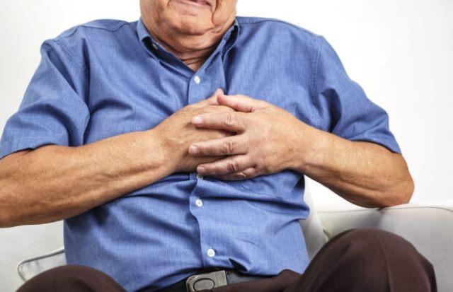 https: img.okezone.com content 2021 01 11 481 2342327 ini-3-gejala-serius-serangan-jantung-dan-paling-umum-terjadi-segera-ditangani-ya-S0LTAxMweJ.jpg