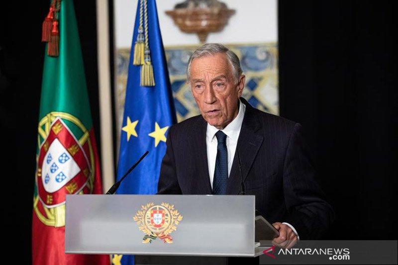 https: img.okezone.com content 2021 01 12 18 2342858 presiden-portugal-marcelo-rebelo-positif-covid-19-3Zl47nvqou.jpg