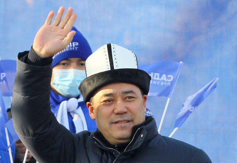 https: img.okezone.com content 2021 01 12 18 2343324 mantan-narapidana-terpilih-sebagai-presiden-baru-kyrgiztan-EBrhsUGK6d.jpg
