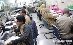 https: img.okezone.com content 2021 01 12 320 2343240 sri-mulyani-pastikan-anggaran-gaji-pns-cair-sejak-4-januari-vodkBk02DY.jpg
