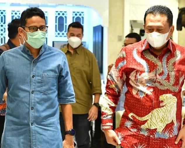 https: img.okezone.com content 2021 01 12 406 2343263 sandiaga-uno-ingin-kembangkan-sport-automotive-tourism-di-indonesia-d1yx39qkC2.jpg