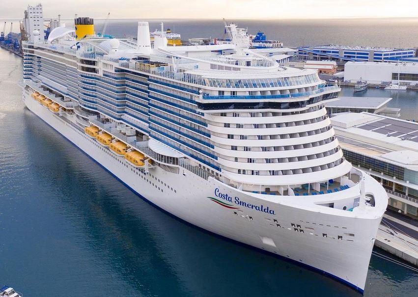 https: img.okezone.com content 2021 01 12 406 2343390 kapal-pesiar-ini-berlayar-di-tengah-maraknya-kasus-corona-baru-8dwLFBhanP.JPG