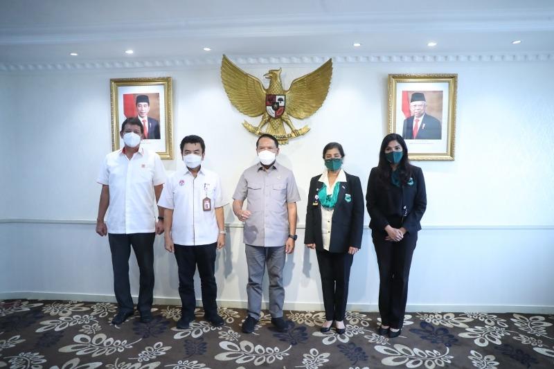 https: img.okezone.com content 2021 01 12 43 2343256 menpora-harap-indonesia-sukses-jadi-tuan-rumah-ajang-berkuda-internasional-2021-IQpW9K12DG.jpg