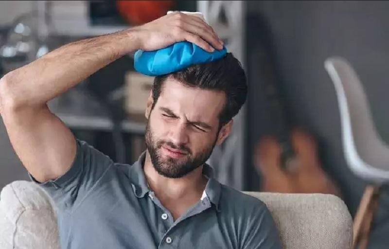 https: img.okezone.com content 2021 01 12 481 2343118 kenali-gejala-sakit-kepala-akibat-covid-19-DhXWeR32SP.jpg