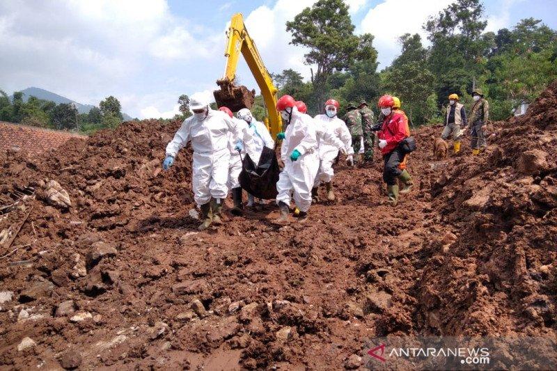 https: img.okezone.com content 2021 01 12 525 2343091 3-korban-baru-longsor-di-sumedang-ditemukan-bsAaBZ0V7p.jpg