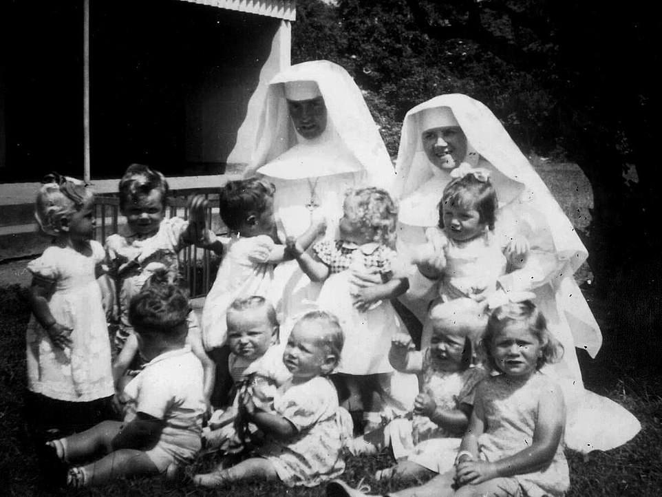 https: img.okezone.com content 2021 01 13 18 2343439 9-ribu-anak-meninggal-di-rumah-brutal-khusus-ibu-yang-melahirkan-anak-di-luar-pernikahan-FVxbyB4Qpr.jpg