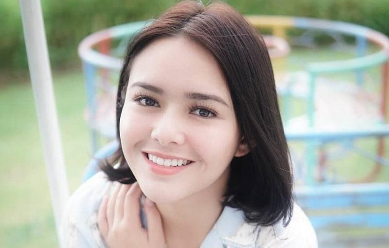 https: img.okezone.com content 2021 01 13 194 2343980 pesona-senyum-manis-amanda-manopo-bikin-netizen-makin-tergila-gila-zJssEc3fLG.jpg