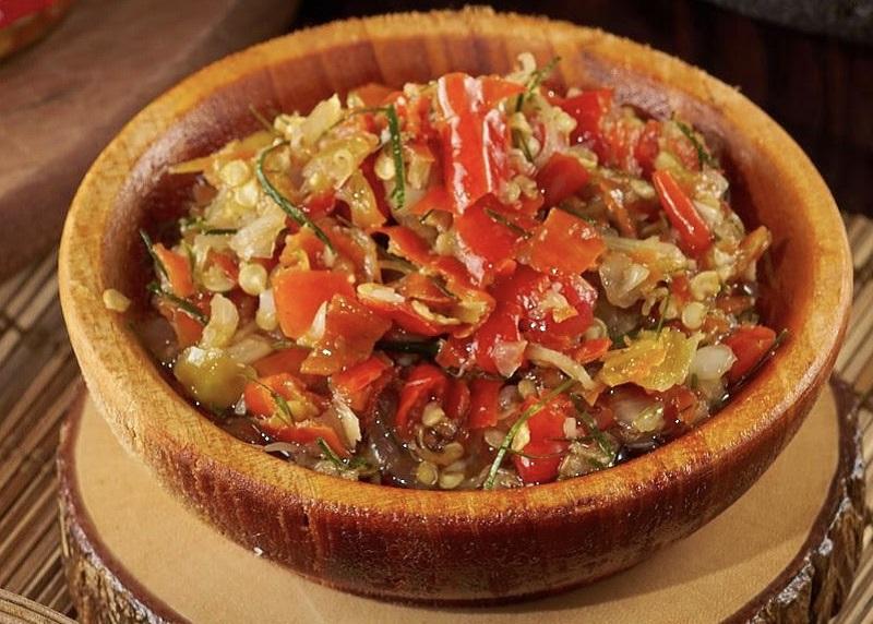 https: img.okezone.com content 2021 01 13 298 2343888 resep-sambal-matah-cocok-disajikan-dengan-ayam-goreng-dijamin-maknyus-ERU0j8NiDg.jpeg