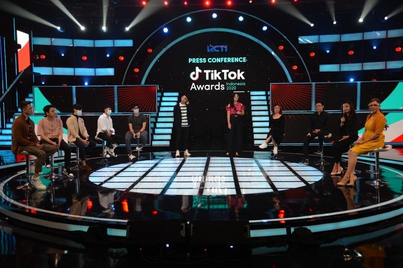 https: img.okezone.com content 2021 01 13 33 2343859 daftar-nominasi-tiktok-awards-indonesia-jharna-bhagwani-hingga-verrel-bramasta-uZzNmTqnEF.jpg
