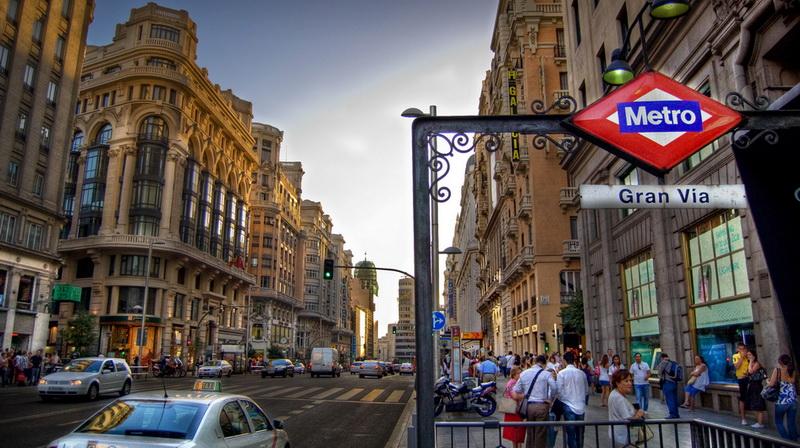 https: img.okezone.com content 2021 01 13 406 2343767 spanyol-perpanjang-larangan-masuk-wisatawan-dari-inggris-hingga-februari-0Tl9MpTVW8.jpg