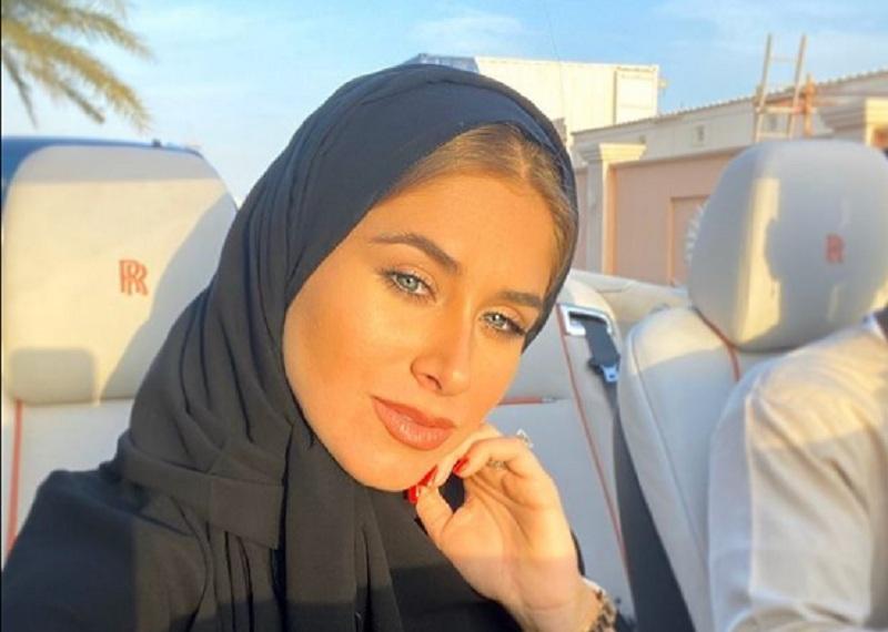 https: img.okezone.com content 2021 01 13 45 2343618 cantiknya-istri-paul-pogba-maria-salaues-berkerudung-hitam-VpSi6V0lGb.jpg