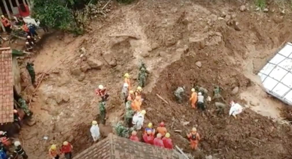 https: img.okezone.com content 2021 01 13 525 2343901 2-korban-longsor-sumedang-kembali-ditemukan-total-19-orang-meninggal-tWpFDS4Xn8.jpg