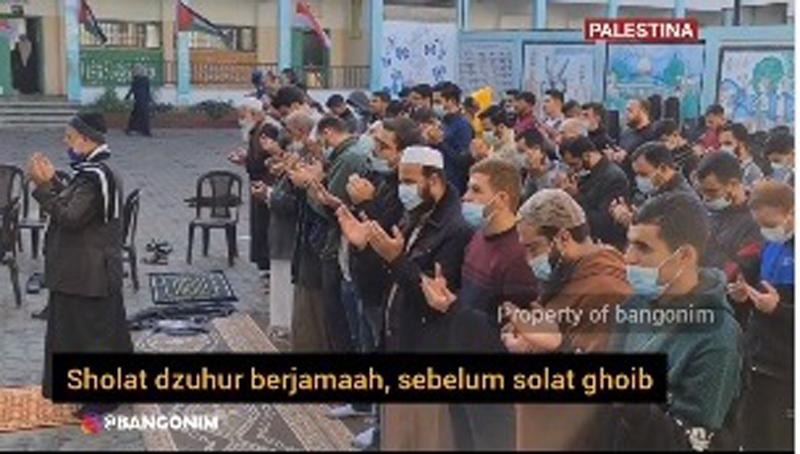 https: img.okezone.com content 2021 01 13 614 2343540 pesawat-sriwijaya-air-sj-182-jatuh-ratusan-warga-palestina-gelar-sholat-gaib-Tg6n8zqJZl.jpg