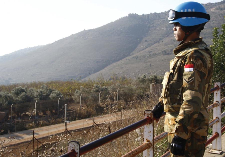https: img.okezone.com content 2021 01 14 18 2344347 3-penjaga-perdamaian-pbb-tewas-6-luka-luka-dalam-serangan-di-mali-VinPI7Reyt.jpg
