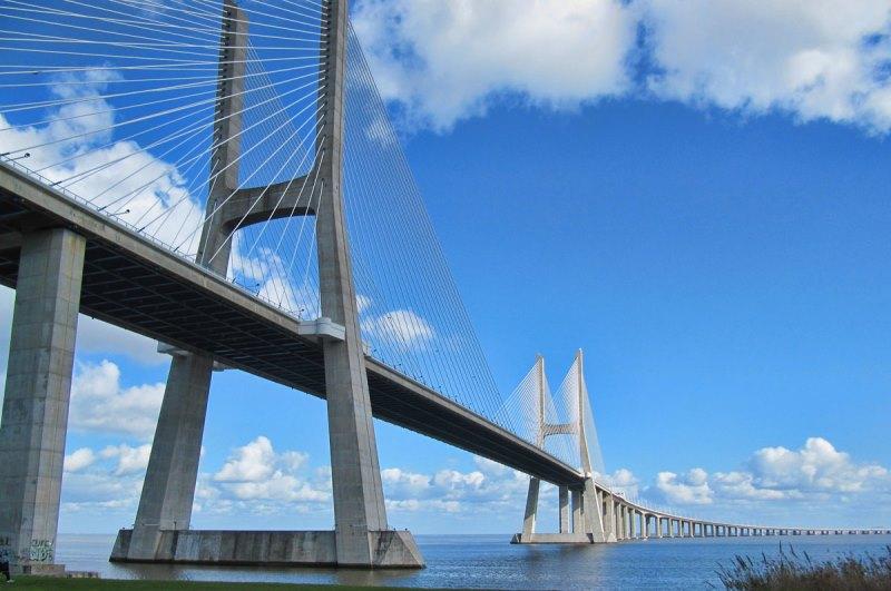 https: img.okezone.com content 2021 01 14 408 2344338 amazing-inilah-11-jembatan-terpanjang-di-dunia-iirO4LENy5.jpg