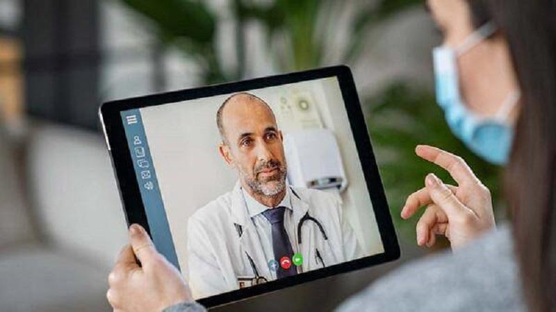 https: img.okezone.com content 2021 01 14 481 2344121 perawatan-kesehatan-digital-jadi-perkembangan-terbaru-dunia-medis-Ldt21pRIf5.jpg