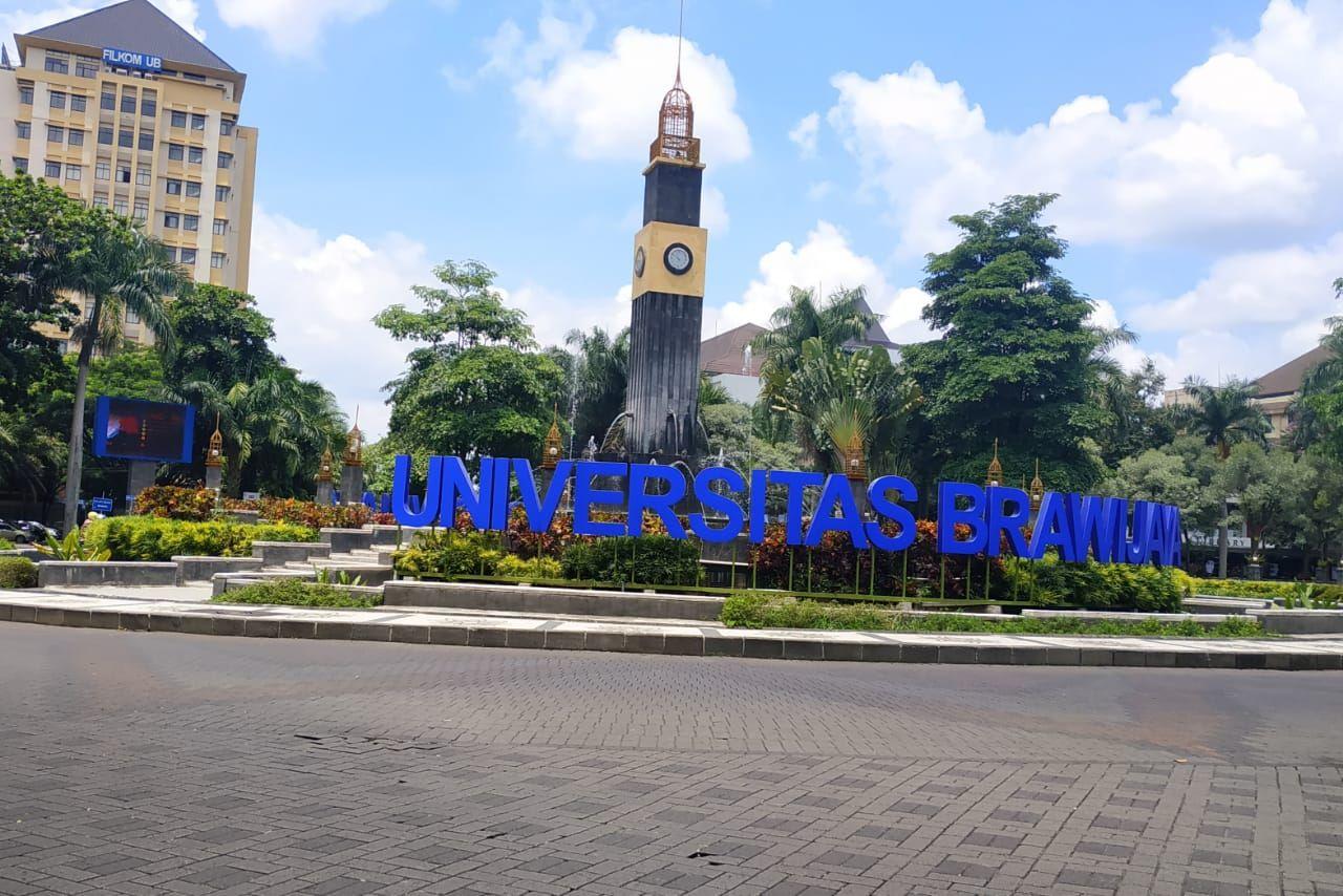 https: img.okezone.com content 2021 01 14 65 2344240 snmptn-2021-cek-20-kampus-yang-paling-banyak-diserbu-calon-mahasiswa-Vh7E073gtk.jpg