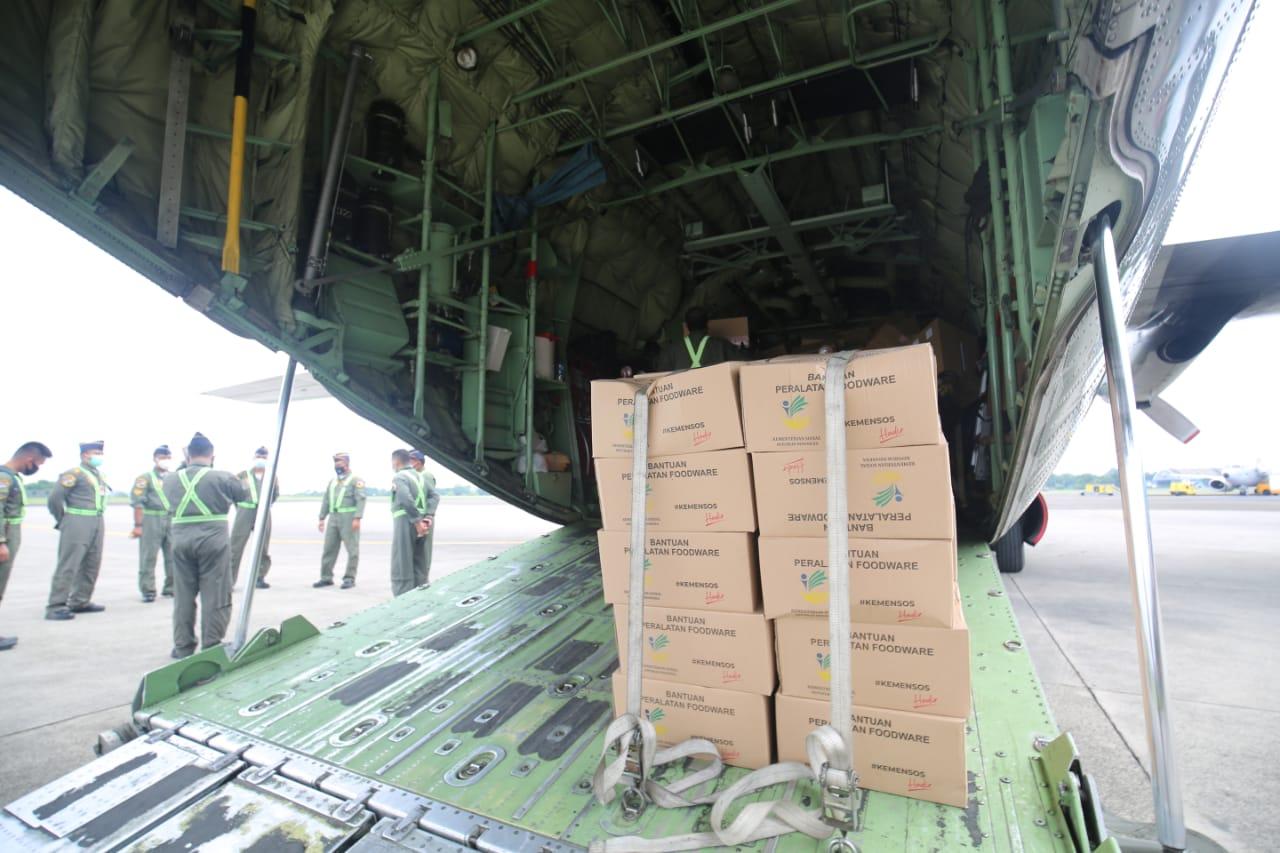 https: img.okezone.com content 2021 01 15 337 2345238 kemensos-kirim-bantuan-rp1-7-miliar-untuk-korban-gempa-sulbar-12zuG7Jh3h.jpg