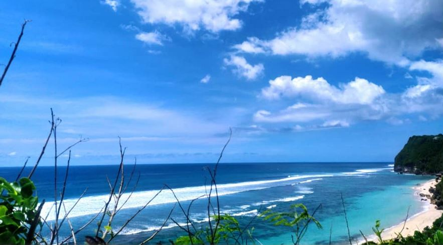 https: img.okezone.com content 2021 01 15 406 2344773 indonesia-termasuk-negara-terbaik-dikunjungi-pada-2020-versi-majalah-travel-amerika-XMyeEPRh0R.JPG