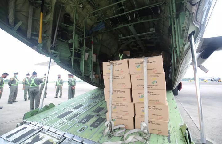 https: img.okezone.com content 2021 01 16 337 2345373 kemensos-kirimkan-bantuan-rp1-7-miliar-untuk-korban-gempa-sulbar-ini-rinciannya-fN0EqqCSpw.JPG