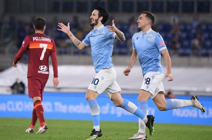 https: img.okezone.com content 2021 01 16 47 2345334 luis-alberto-brace-lazio-hajar-roma-3-0-di-derby-della-capitale-QQKgg7C1ch.JPG