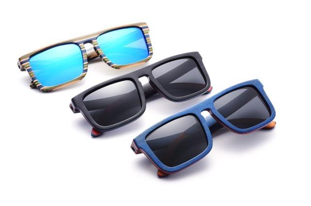 https: img.okezone.com content 2021 01 16 612 2345674 8-pemahaman-salah-mengenai-kacamata-hitam-termasuk-soal-bisa-kedaluwarsa-ZnMvv1aXpK.jpg