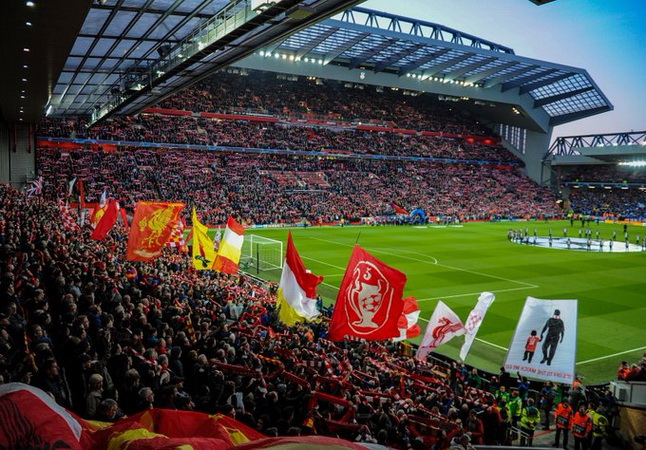 https: img.okezone.com content 2021 01 17 45 2345793 5-pertemuan-terakhir-liverpool-vs-man-united-di-stadion-anfield-siapa-unggul-Q3OomV08kY.jpg