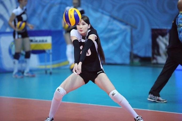 https: img.okezone.com content 2021 01 18 43 2346362 ini-alasan-sabina-altynbekova-berani-bermain-voli-di-italia-UYSnuh7UHt.jpg