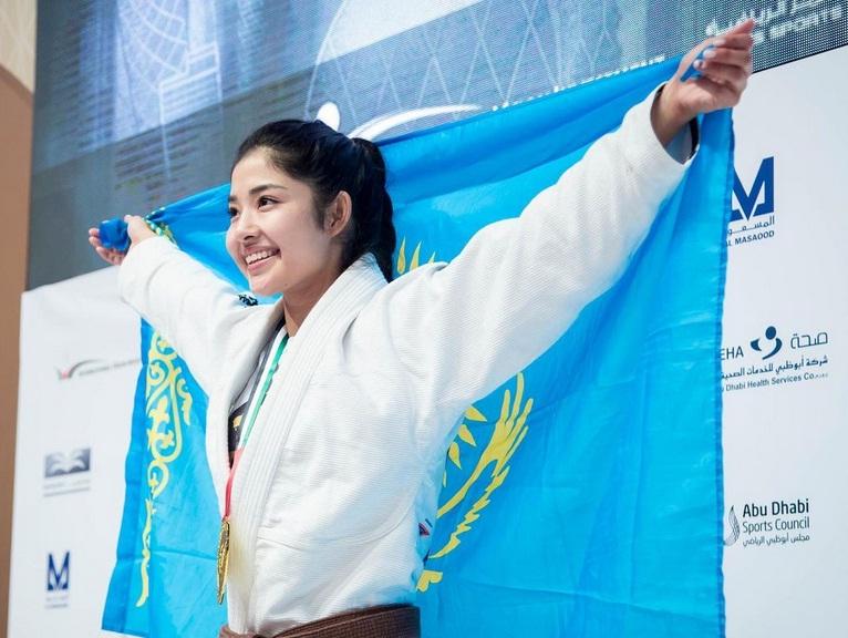 https: img.okezone.com content 2021 01 18 43 2346482 tak-hanya-sabina-altynbekova-kazakhstan-juga-miliki-moldir-mekenbayeva-r8M1fjzqiQ.jpg