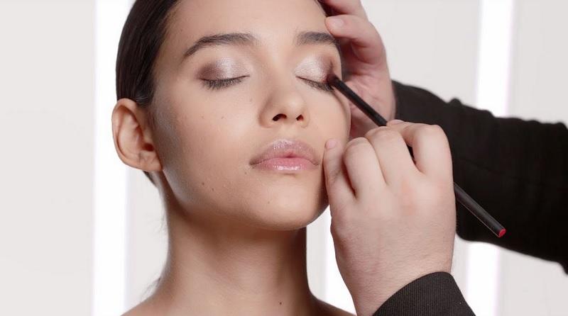 https: img.okezone.com content 2021 01 18 611 2346645 beautypedia-cara-pakai-eyeshadow-palette-phgce3Htin.jpg
